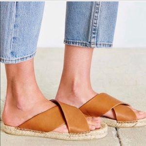 Soludos Criss Cross Leather Sandals EUC